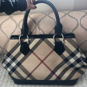 Burberry purse 100% authentic